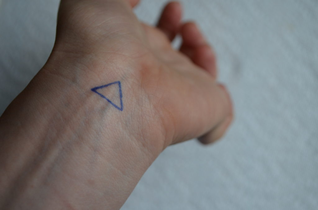 How to stick and poke? • Stick and Poke Tattoos